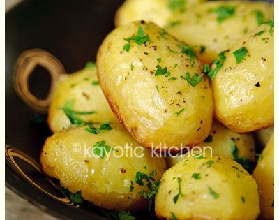 Baked Potatoes Recipe : baked in chicken broth, garlic and butter, SO