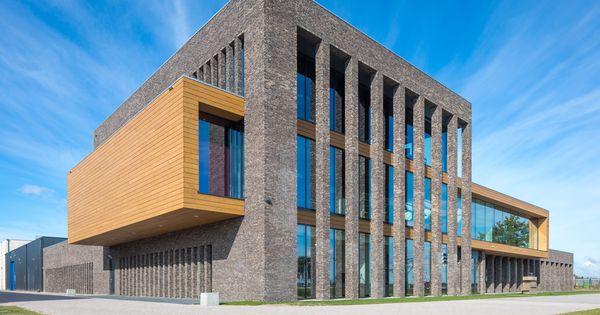 Energieneutraal kantoor te oss gevel exterieur metselwerk glas cape cod houten gevel - Decoratie exterieur gevel ...