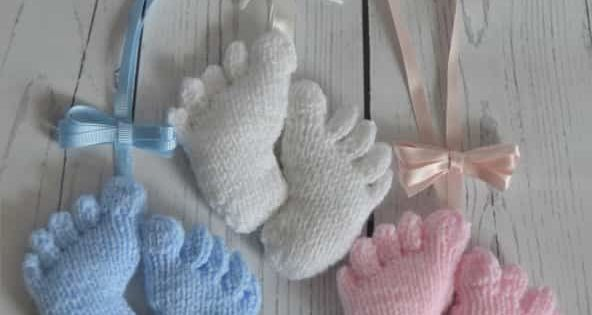 Baby Feet Charm Knitting Pattern – Knitting by Post ...