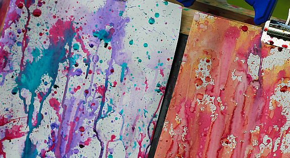 Kids will LOVE you -Squirt gun painting is such an awesome summer art activitiy! - Fireflies and Mud Pies Summer, DIY, Summer Crafts