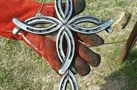 Horse shoe cross | To Make, Fun! | Pinterest | Horse Shoes, Crosses ...