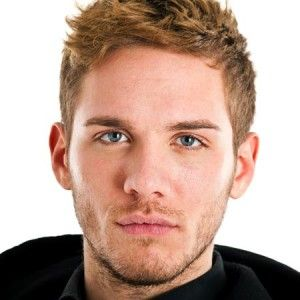 Wavy Hairstyles For Men 21 Modern And Stylish Looks You Must Try Mens Hairstyles Curly Mens Hairstyles Thick Hair Receding Hair Styles