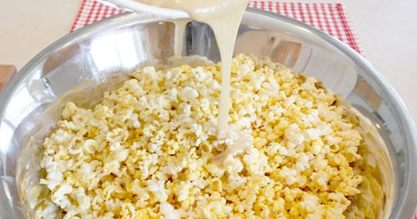 marshmallow popcorn. Oh. My. Goodness. make this when it snows you in...so