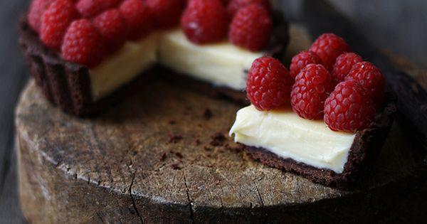 ... chocolate raspberry mascarpone tarts ...