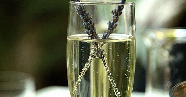 A refreshing twist on drinks, try lavender infused champagne for your reception.