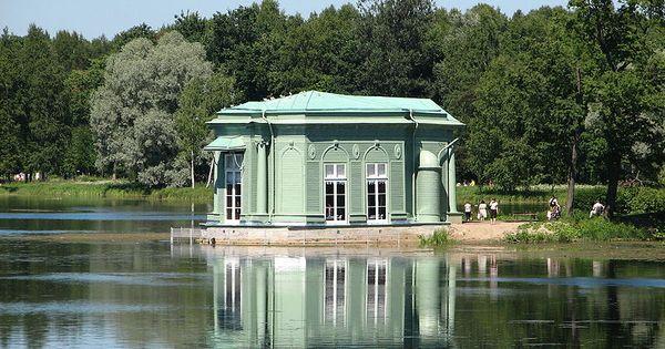 Pavillon de v nus gatchina construit par vincenzo for Pavillon a construire