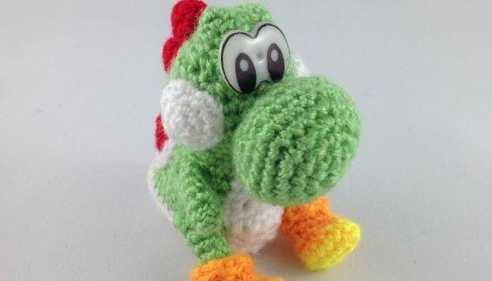 Crochet your very own Amigurumi Yoshi from Yoshis Wooly World! Free patt...