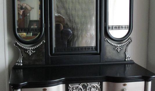 Victorian Gothic Antique Vanity With Tri Fold Mirror