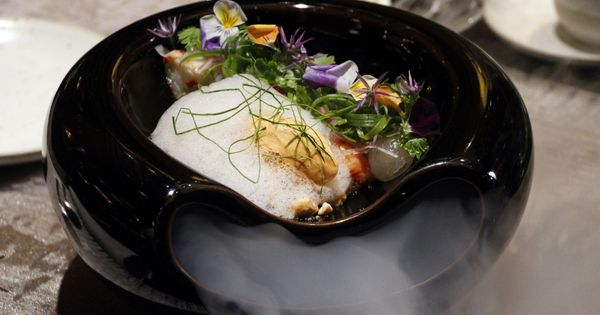 Sra Bua By Kiin Kiin In Bangkok Gives Thai Food A French Twist Thai Recipes Thai Cuisine Recipes Authentic Thai Food