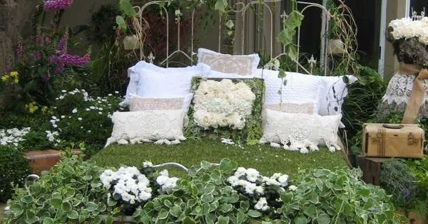 gartendeko aus alten sachen 31 kreative ideen garten pinterest gartendeko kreative. Black Bedroom Furniture Sets. Home Design Ideas