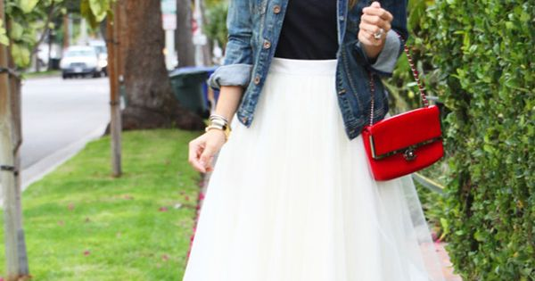 Tulle skirt outfit idea 8. Wear a white tulle skirt with a