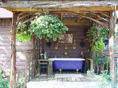 Outdoor Claw Foot Tub At This Rental In The Texas Hill Country Outdoor Bathtub Outdoor Baths Outdoor Tub