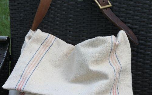 Tuto en anglais pour faire un sac besace avec un torchon for A coudre en anglais