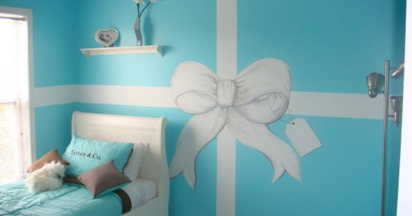 Taylor & Co. Gift Box room design great for a teen girl