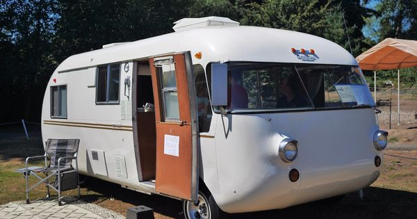 Creative  EugeneOregon  Classic CampersRV39s And Camping  Pinterest  Shops