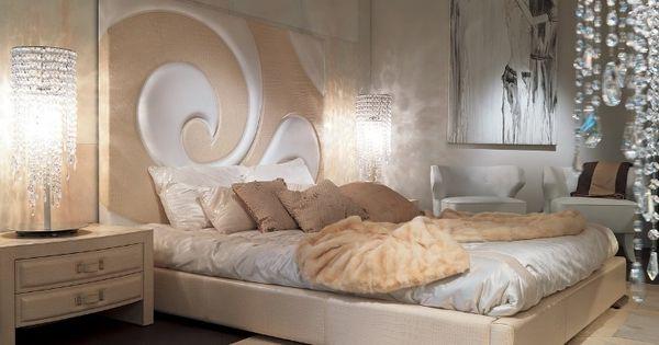 dormir la tête au nord, tête de lit surdimensionnée en relief ...