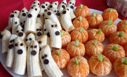A healthy Halloween snack that couldn't be easier (or more adorable). Fun