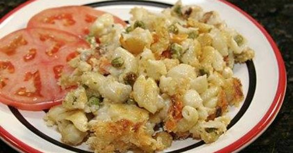This is a flavorful macaroni casserole with chicken, a smoked gouda cheese