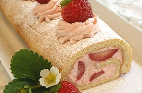 Gluten-Free Fresh Strawberry Roulade or Jelly Roll Cake | baking911 ...