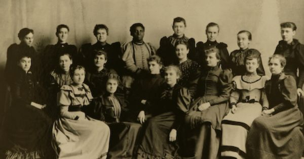 Class Of 1878 Including Jennie Cora Clough The First African American Graduate Of Worcester Normal School And Worces Black History History Geek Normal School