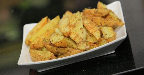 Cbc Sofra طريقة عمل بطاطس مشوية بالأعشاب غادة التلي Recipe Food Recipes Arabic Food