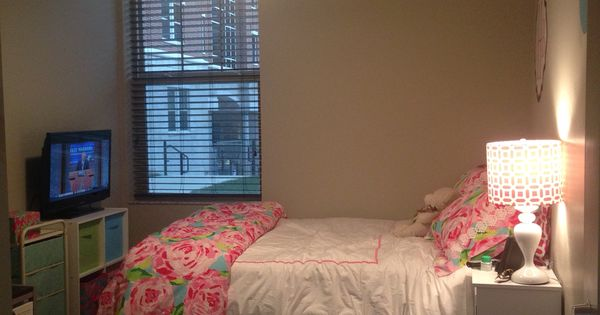 University Of Kentucky Dorm With Lilly Pulitzer Bedding