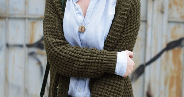 Great layered look using a chambray shirt and a chunky cardigan. streetstyle