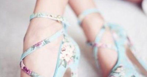 Wonderland blue floral heels