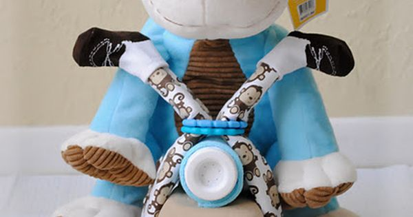 Motorcycle Diaper Cake Tutorial {DIY-How to Make a Diaper Motorcycle} Great baby