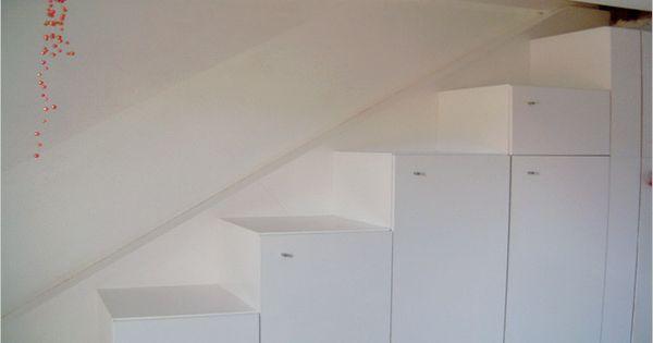 Ruimtebesparende trappen met ingebouwde kasten idee n voor het huis pinterest trappen - Idee van zolderruimte ...