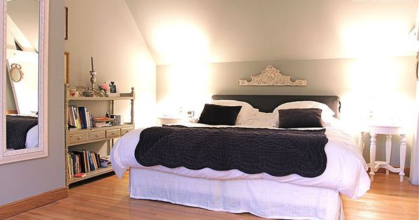 Chambre toit mansard recherche google chambre for Chambre a la semaine paris