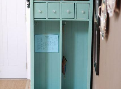 DIY Furniture : DIY Locker Cabinet