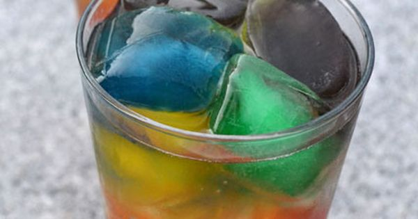 Over the Rainbow Drinks- colored ice cubes