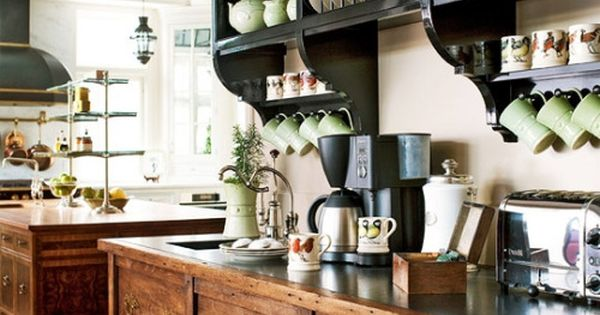 A traditional english cottage style kitchen oh how i for Traditional english kitchen