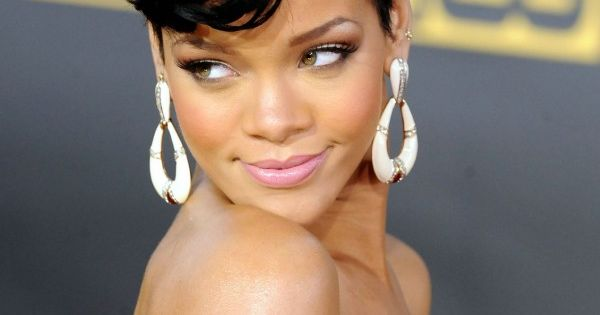 Rihanna Short Weave Hairstyles