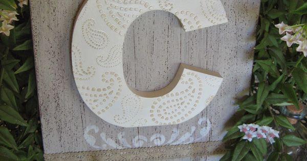 Perchero con inicial decorada con stencil en relieve trabajos manualidades y bricolaje - Manualidades y bricolaje ...