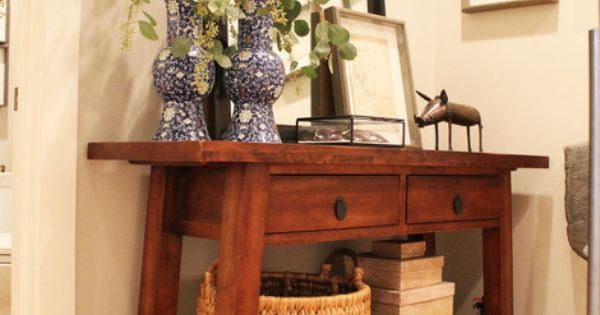 i love this entryway table