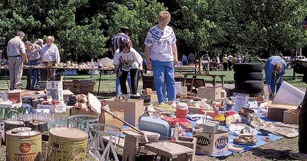 Missouri S 100 Mile Garage Sale Stretches From Jackson