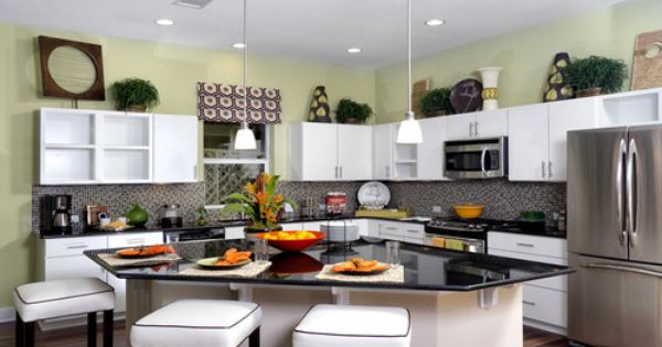 Love the triangle island in this kitchen stainless for Perfect kitchen triangle