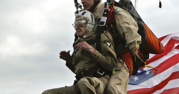 93 year old d day jump