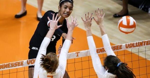 Campus Connect Cincinnati Women S Volleyball Preview Women Volleyball Volleyball News Volleyball
