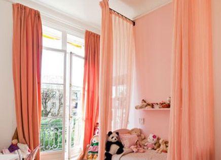 Roze kinderkamer met leuke idee n en inspiratie inrichting girls bedroom ideas - Gordijnen meid ...