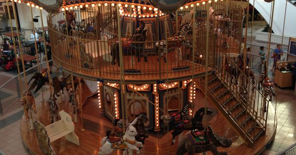 Fort Wayne Mall >> Double Decker Carousel in Glenbrook Mall, Fort Wayne ...