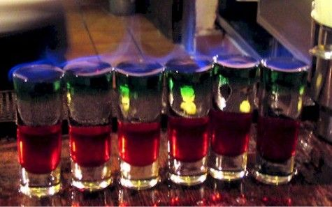 Mexican Flag Shots Love These Mexican Drinks Mexican Flags Fruity Alcohol Drinks