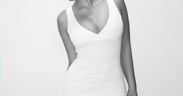 Stefania Ferrario : Photo | Short hair styles, Round face
