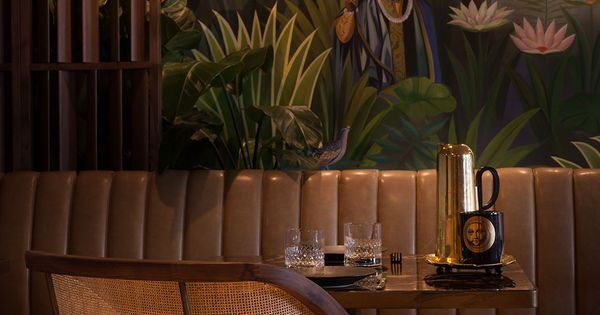Jungle expedition paradis restaurant in hong kong by for Interieur chic haiti