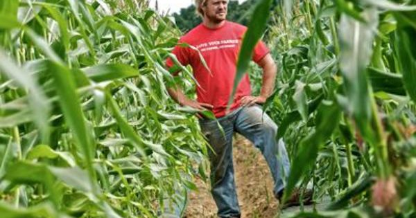Tim King From Freedom Farms In Episode 4 Of Farm Kings Airing Thursday Nights At 9 8c Photo Courtesy Of Stage 3 Farm Kings Country Farm Farm Yard