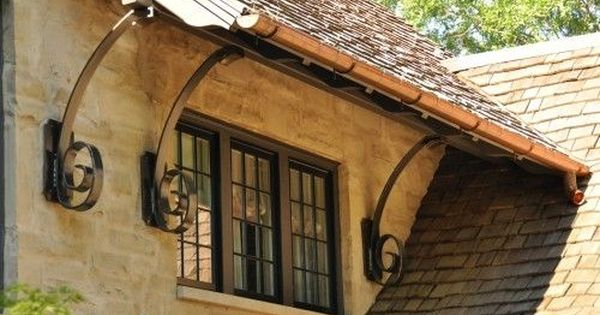 Very Cool Detail For Roof Support Love The Copper Gutters Too Tuscan Design Green Roof System Roof Architecture