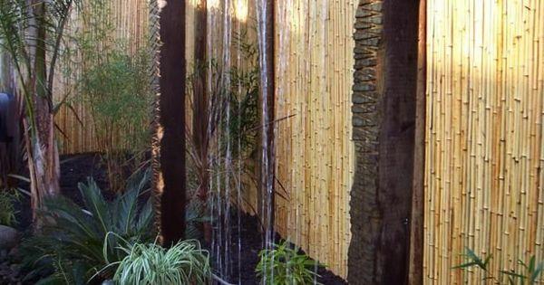 d coration de jardin avec une fontaine pour bassin fontaine en bambou bassin et bambou. Black Bedroom Furniture Sets. Home Design Ideas
