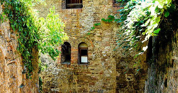 bluepueblo: Stairway, San Gimignano, Italy photo via ninoska